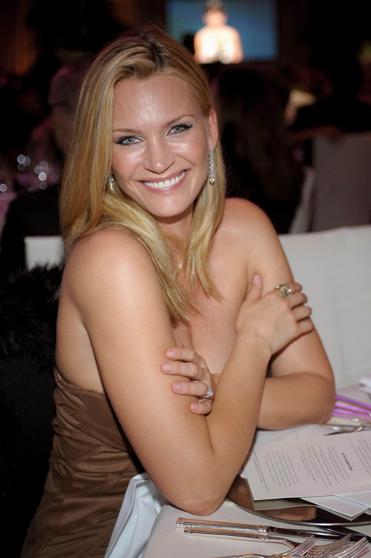 Lovely anne nude lesbian