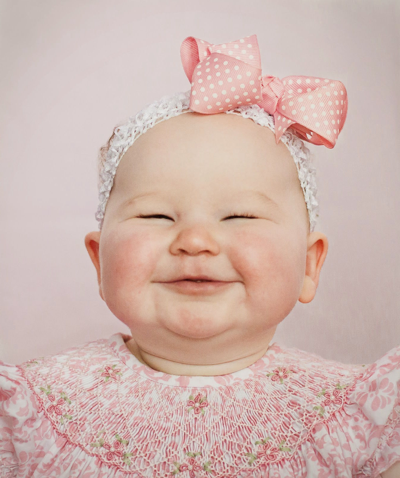 Belle Image Bebe Fille : Fonds d écran bébé fille maximumwall